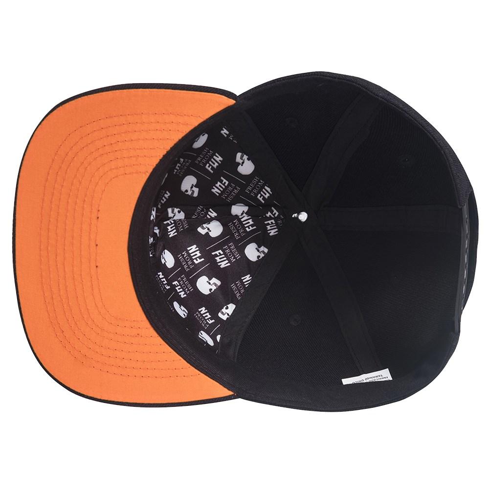 Boné Urban Helmets Black Snapback