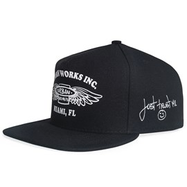 Boné Urban Works Inc Snapback